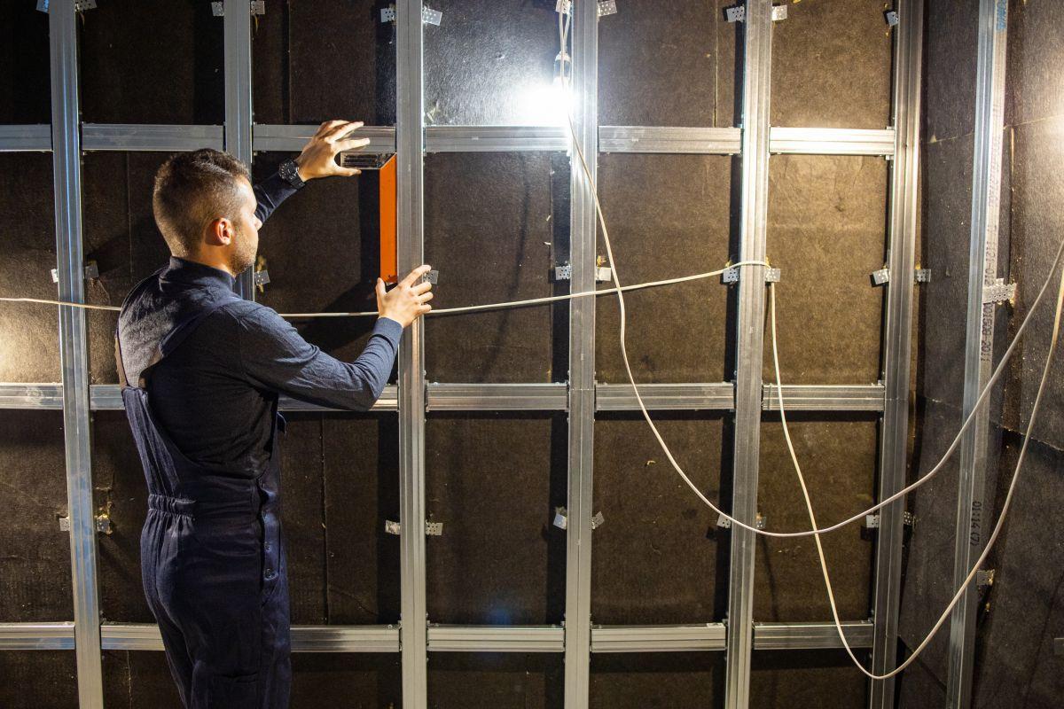 jak wyciszyć ścianek szkieletowych