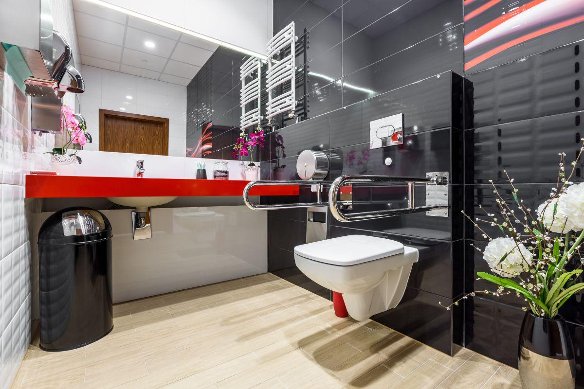nowoczesny remont łazienki dla osoby starszej